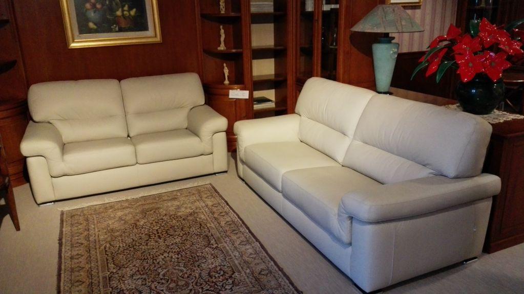 Outlet divani e poltrone mobili marzocco for Outlet poltrone